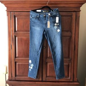 Anne Klein Jeans Slimming with Skinny Ankles Sz 10